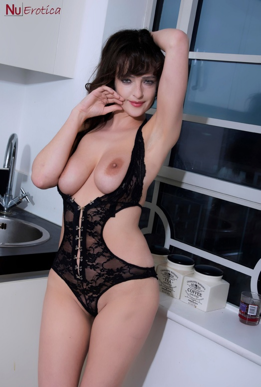 Kate Anne In Lingerie - NuErotica