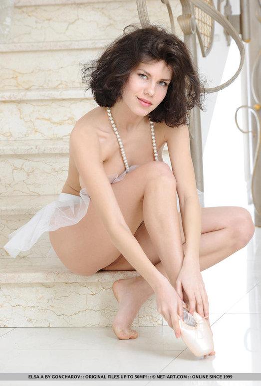 Elsa A - Adagio - MetArt