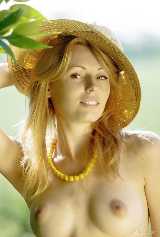 Alina Porter - Presenting Alina 2 - Erotic Beauty