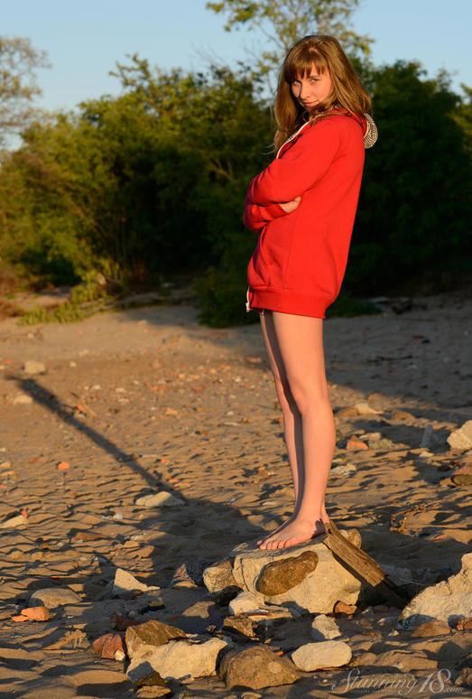 Jenny D - Sunset - Stunning 18