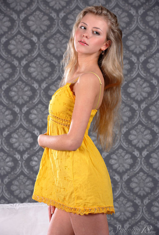 Barbara D - Virgen - Stunning 18
