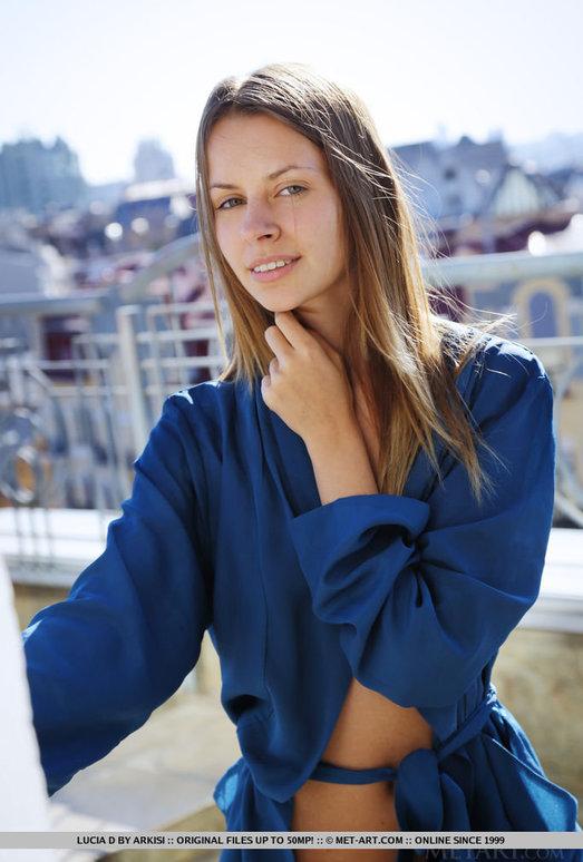 Lucia D - Cesanie - MetArt