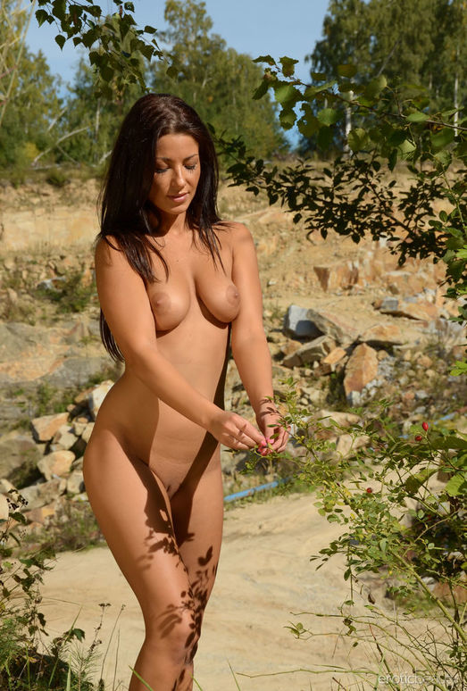 Tea Jul - Quarry 2 - Erotic Beauty