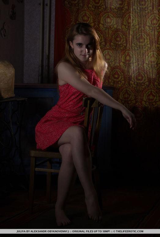Juliya - Alone - The Life Erotic