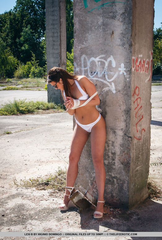Lexi B - Alfresco - The Life Erotic