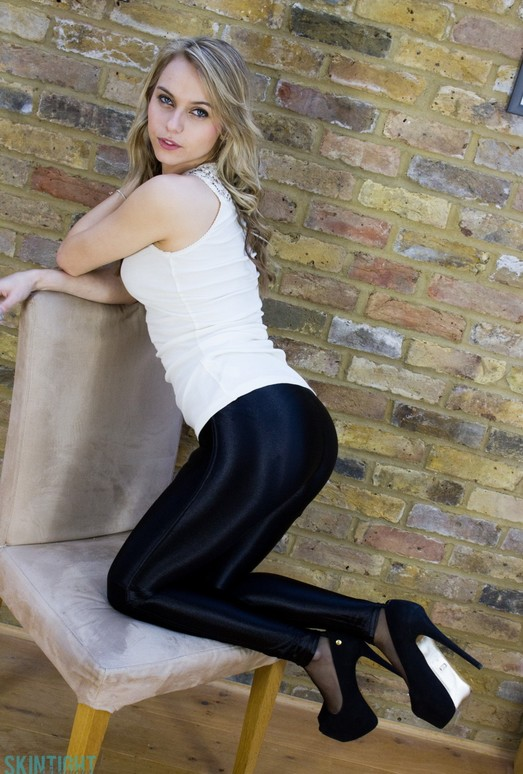 Chloe Toy - Chloe Leggings - Skin Tight Glamour