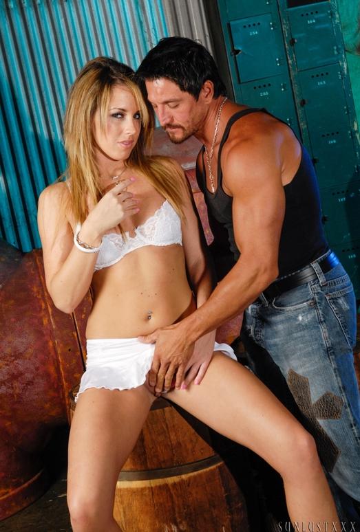 Nikki Anne & Tommy Gunn - SunLustXXX