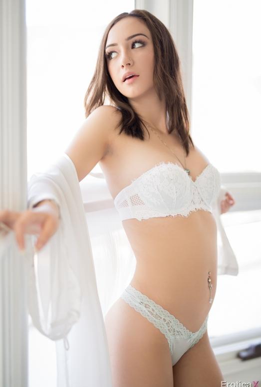 Lily Jordan - Erotica X