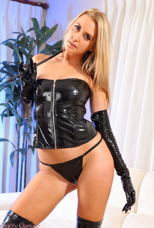image Mistress applegate demands her worshipping