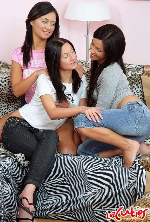 Pussy Licking with Kamilla, Anna Nova & Amber - Lez Cuties