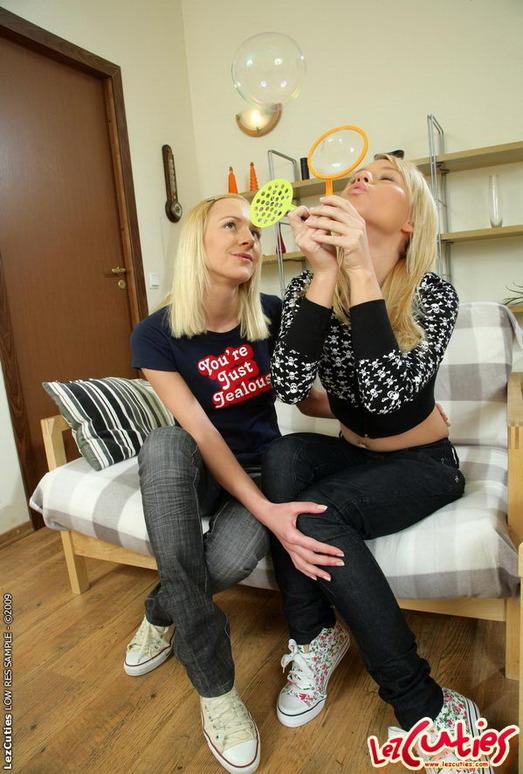 Alisa & Questa Toying Lesbians - Lez Cuties