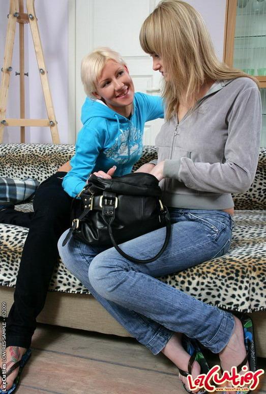 Lesbian Sex with Ania & Josie - Lez Cuties