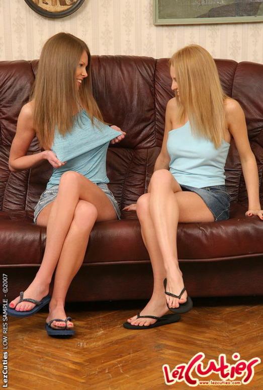 Horny Lesbians Kelly, Vanilla & Pandora - Lez Cuties
