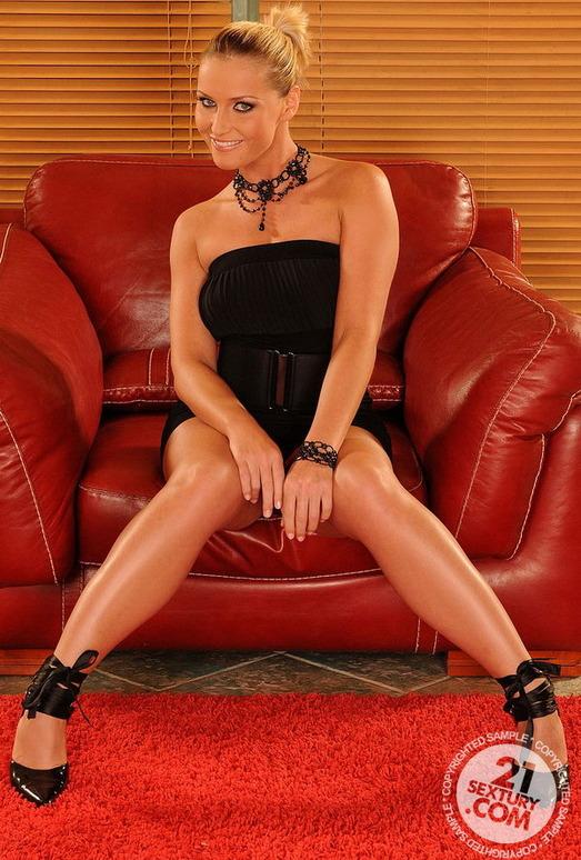 Kathia Nobili - 21 Sextury