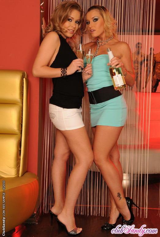 Kathia Nobili, Colette W - Club Sandy