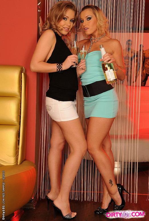 Horny Lesbians Kathia Nobili & Colette W.