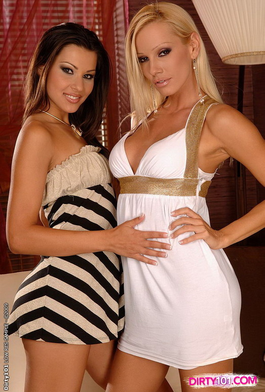 Lesbian Action with Sandy & Cindy Hope