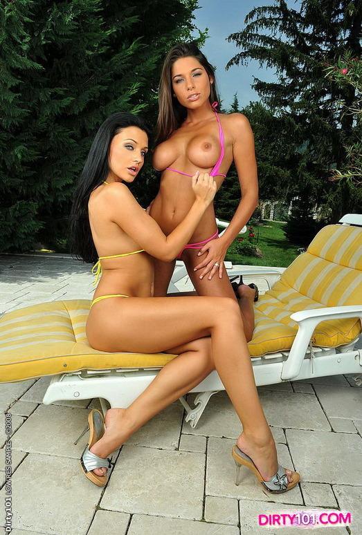 Zafira & Doris Eating Pussy