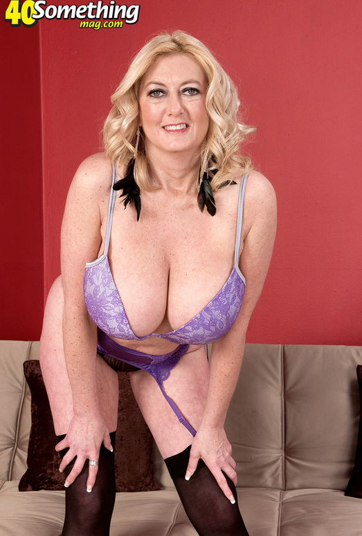 Tahnee Taylor - Tahnees Big Tits And Wide-open Ass