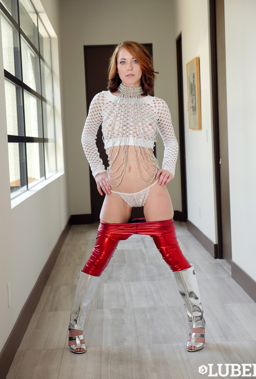 Raylin Ann - Wet & Shiny Pussy - Lubed