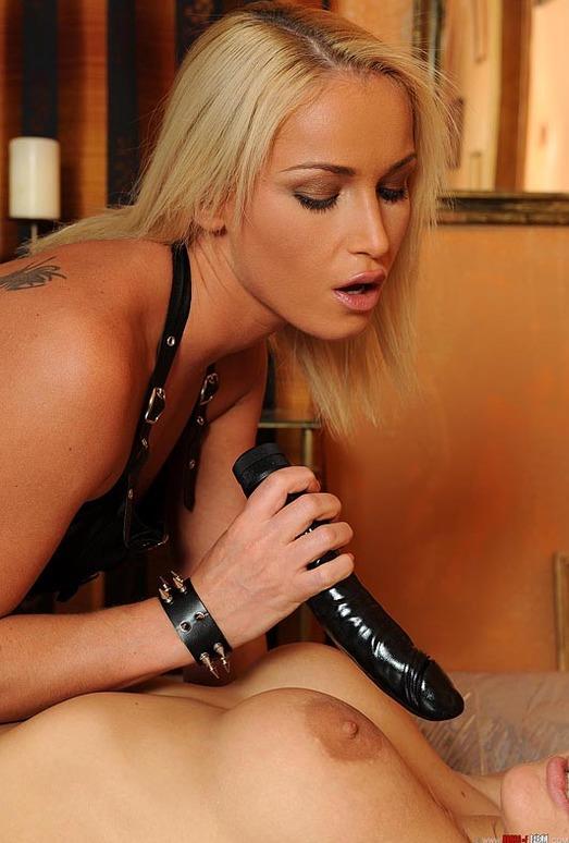 Britney, Kathia Nobili - Perverted dreams