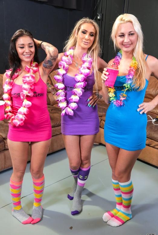 DD Ventura, Hailey Holiday & Aimee Black - Immoral Live 102366