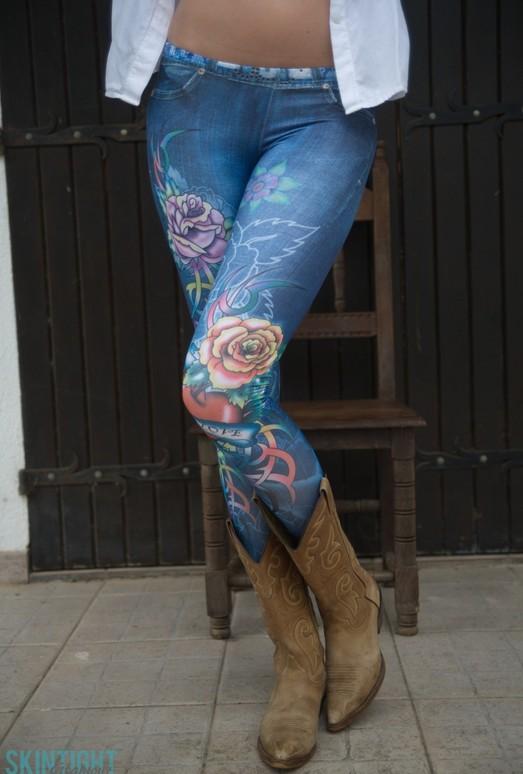 Elen Moore Skin Tight Jeans - Skin Tight Glamour