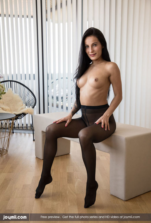 Watch Me In My Pantyhose - Lexi Dona - Joymii