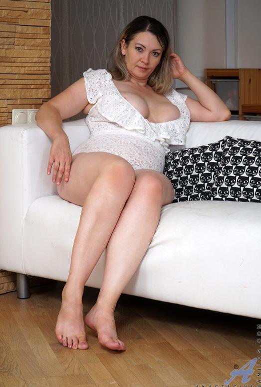 Anastasiya - Big Natural Tits - Anilos