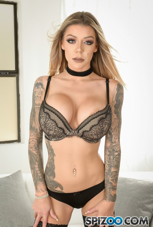 Karma RX Sexy Bomb - move her body in every sexual way
