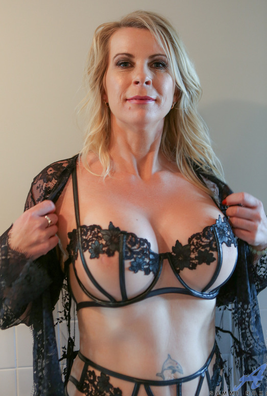 Mature mama hot and juicy 5