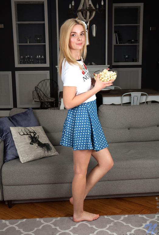 Hannah Jean - Sweet Spreads - Nubiles