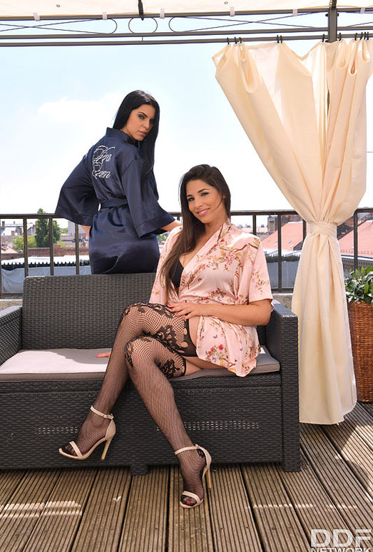 Zafira, Kira Queen - Lesbian Foot And Toe Worship
