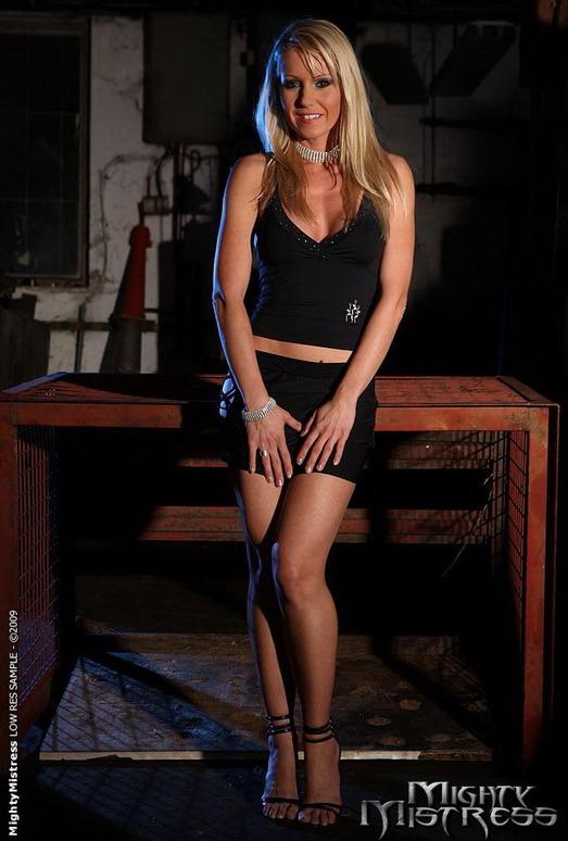 Alexa Weix & Sinead Lesbian Slave - Mighty Mistress