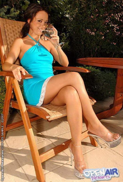 Katarina Sidney Toying Outdoors - Open Air Pleasures