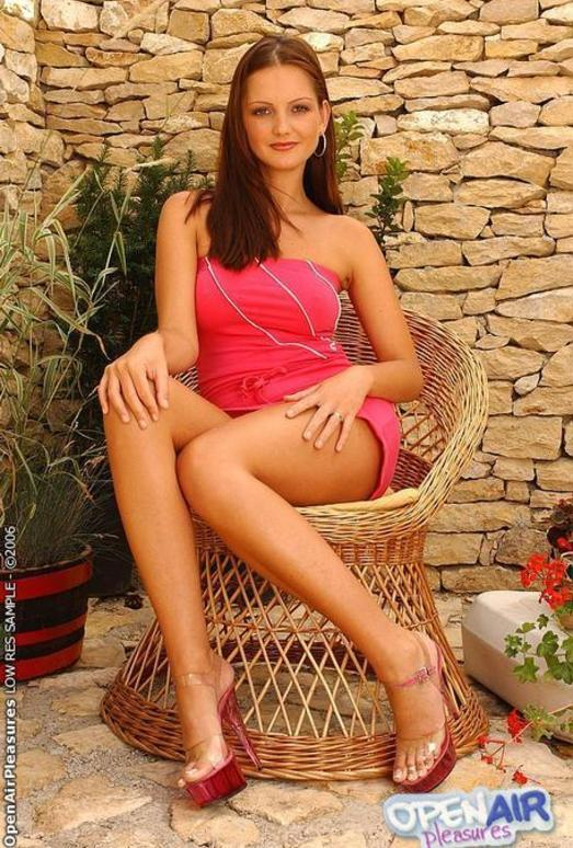 Sandra Shine Toying Outdoors - Open Air Pleasures