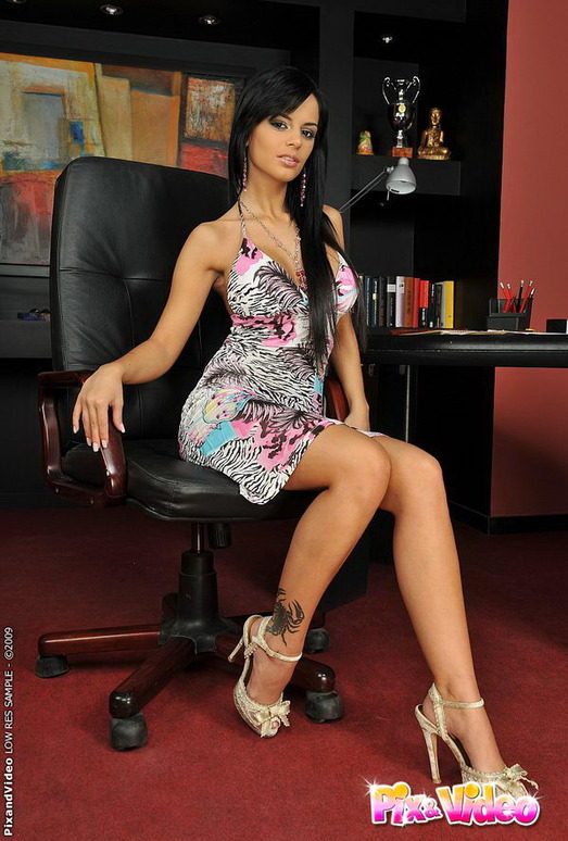 Black Angelika - Pix and Video