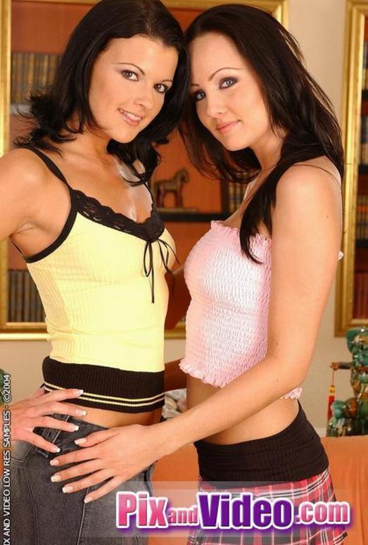 Jamie & Juditta Toying Lesbians