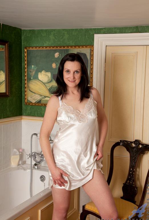 Emily Marshall - Soapy Tits