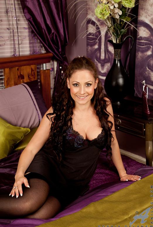 Sophia Delane - Wet Pussy Play