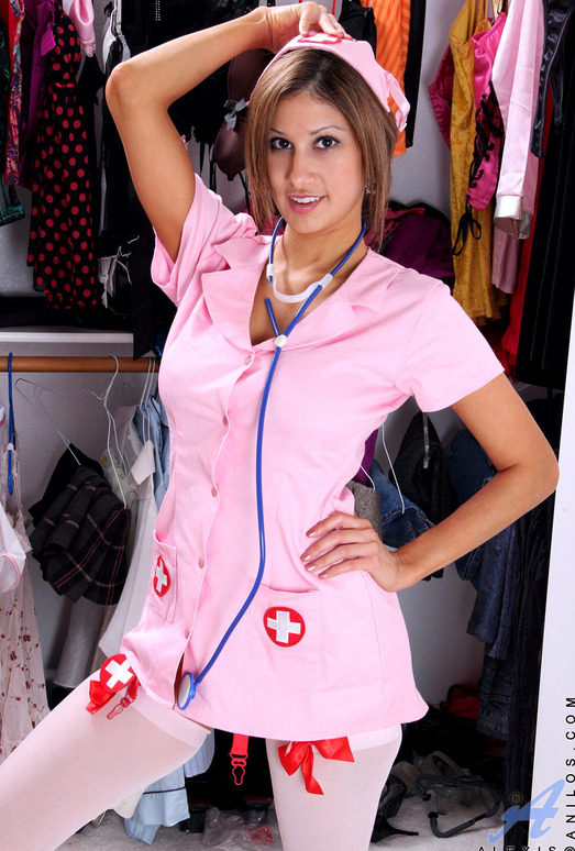 Alexis - Playing Dressup - Anilos