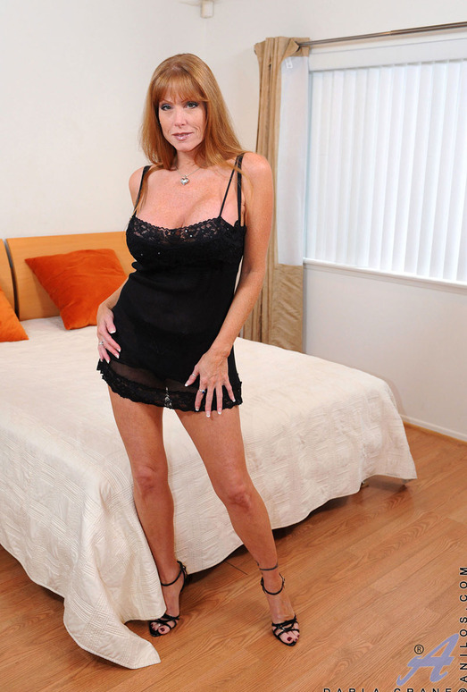 Darla Crane - Bedroom - Anilos