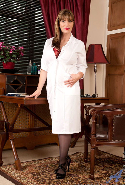 Josephine James - Milf Doctor