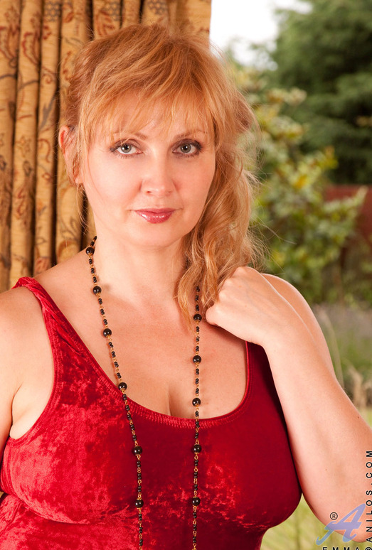 Emma - Red - Anilos