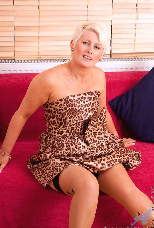 Sally Taylor - Silver Dildo