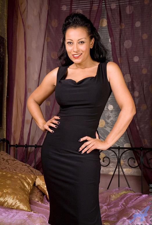Donna - Big Dildo - Anilos