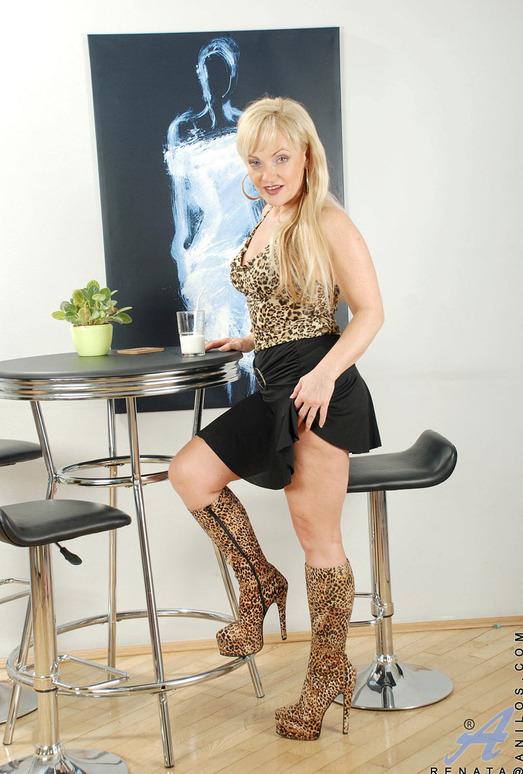 Renata - Milky Mature - Anilos