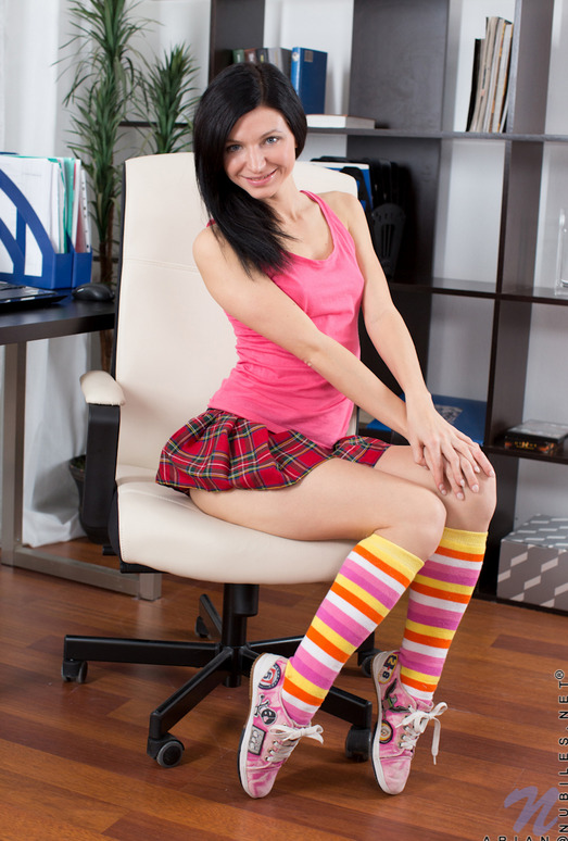 Arian colorful socks and pussy - Nubiles