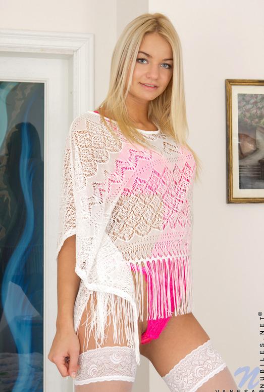Vanesa - blonde in hot lingerie gets wet
