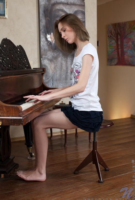Serpente Edita - piano pussy